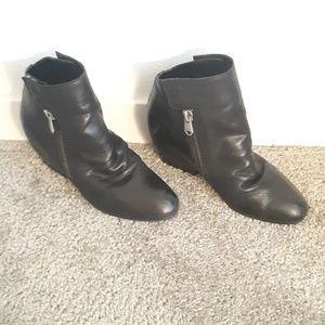 Nava Leather Booties Boots Size 9 Great Condition